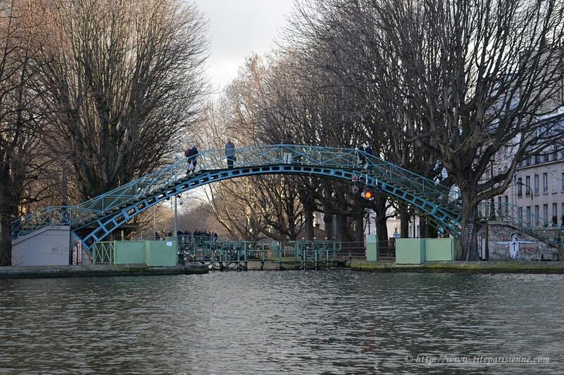 Couleurs hiver sur le Canal Saint-Martin : Passerelle Bichat