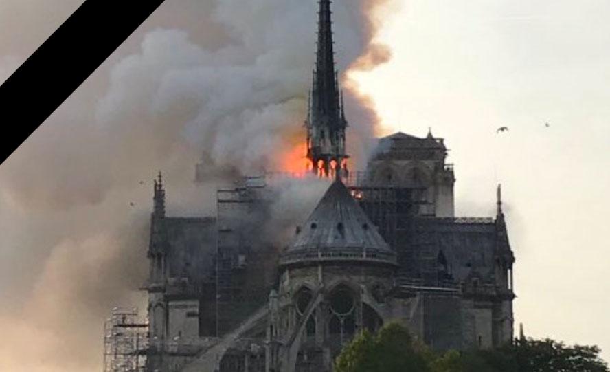 Notre-Dame de Paris incendiée : la France et le monde sont en deuil.