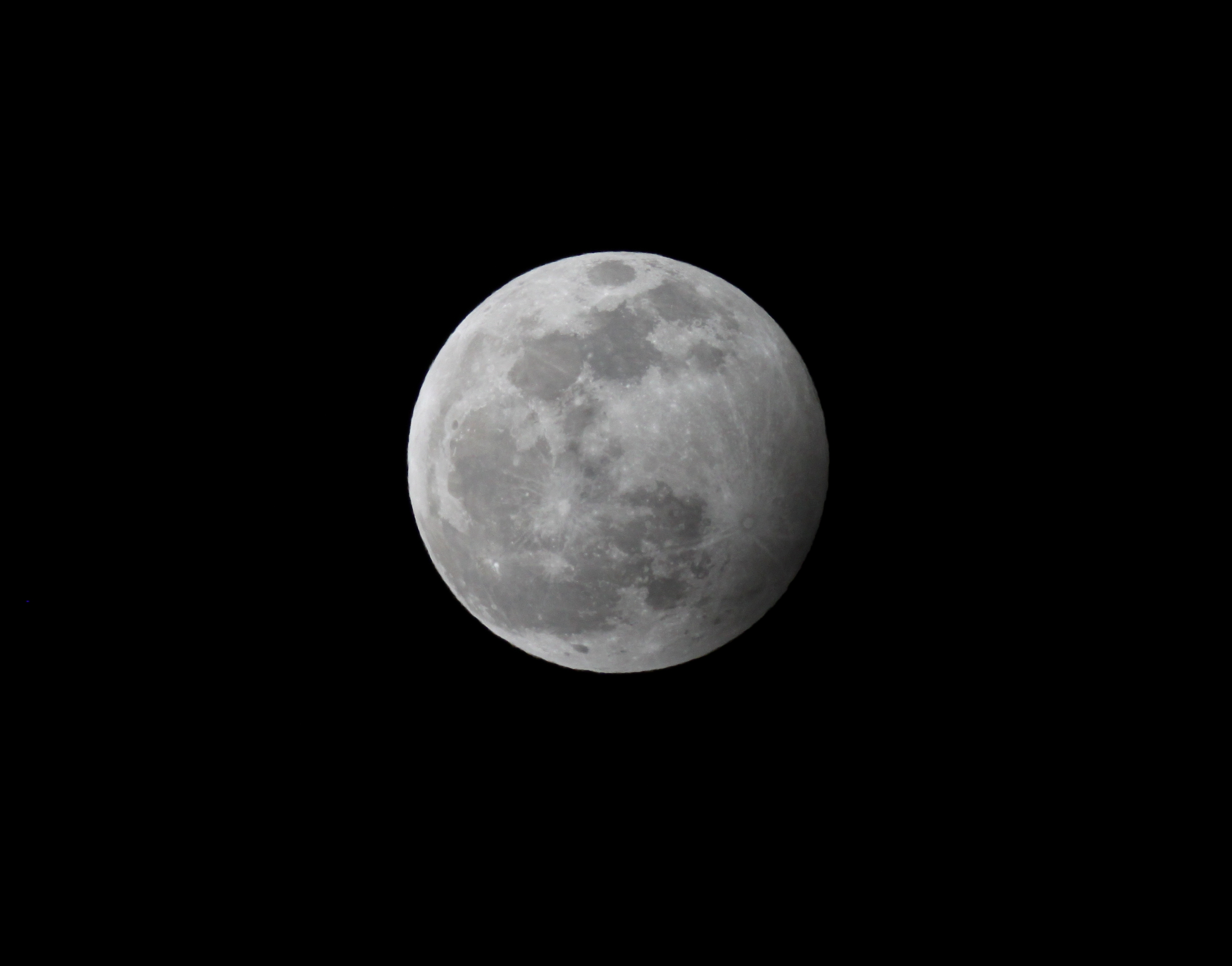 Eclipse-Lune-10-01-2020-maximum.jpg