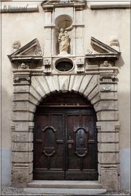 Pézenas Hérault Hôtel Paulhan de Guers hôpital de Pézenas