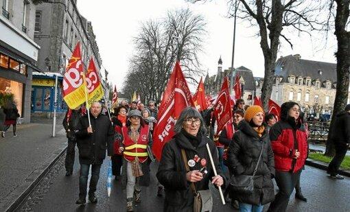 250 manifestants à Quimper contre le recours au 49.3 (LT.fr-2/03/20-19h58)