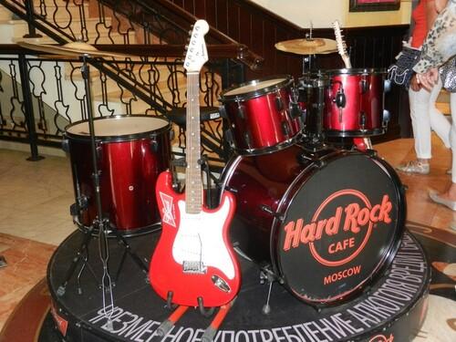 Croisière Russie- Jour  9- Repas au Hard Rock Cafe