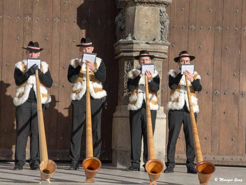4 cors des Alpes parvis cathédrale de Reims