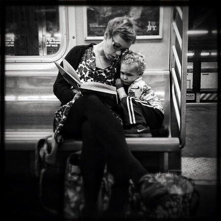 10 - Les femmes qui lisent dans les transports publics