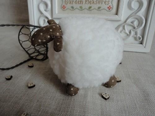 moutonprofilgauche2308111.jpg