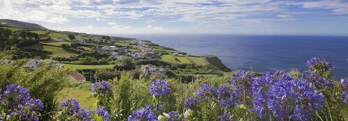 Saintguéorange et Saintguébleu prochent des Açores.