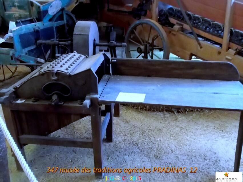 MUSEE DES TRADITIONS  AGRICOLES 4/6 DE PRADINAS 12   D 06/11/2015