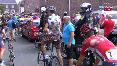 Tour de France: chute massive sur la 3e étape entre Anvers et Huy