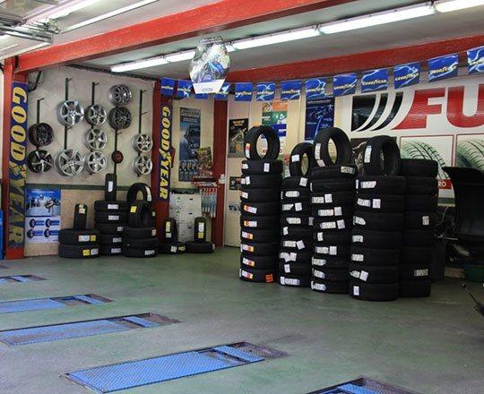 Résultat d'images pour andorre   pneus