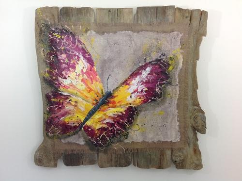 tableau en bois flotté papillon
