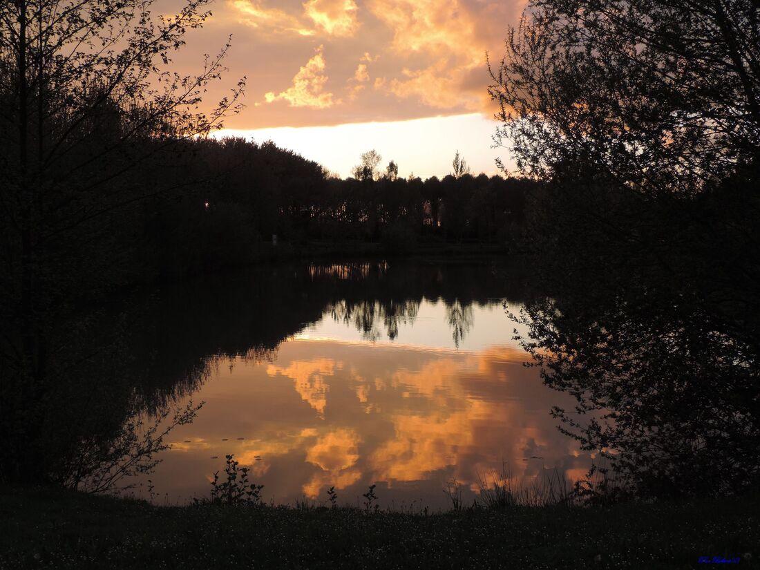 coucher de soleil au lac de Marciac