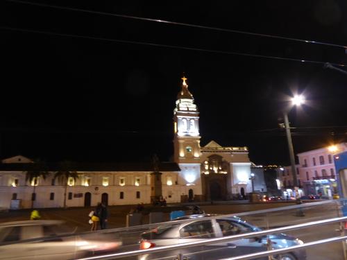 6 ème jour, la basilique de Quito