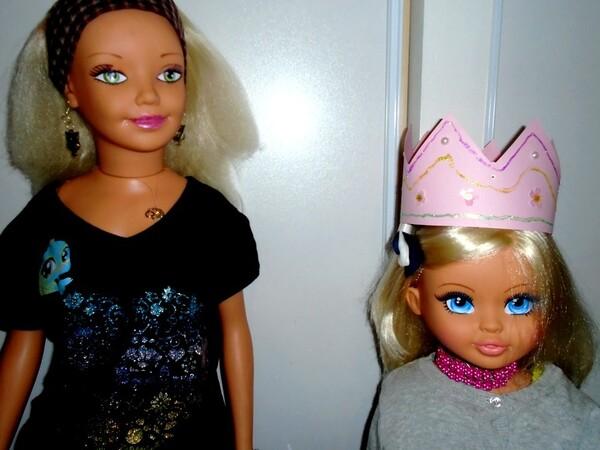 Cathy  et Sabine avec la galette des rois