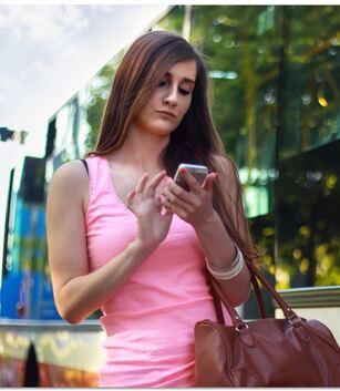 """Résultat de recherche d'images pour """"la fille au téléphone"""""""