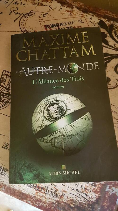 """""""Autre-Monde T1"""" de Maxime Chattam : un 1er tome addictif qui laisser augurer d'une excellente saga Fantasy"""