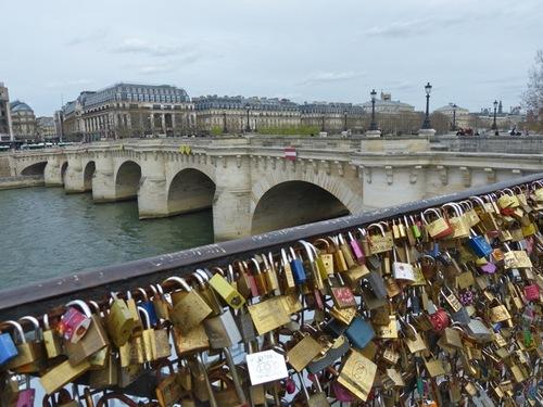 Les cadenas d'amour du Pont-Neuf
