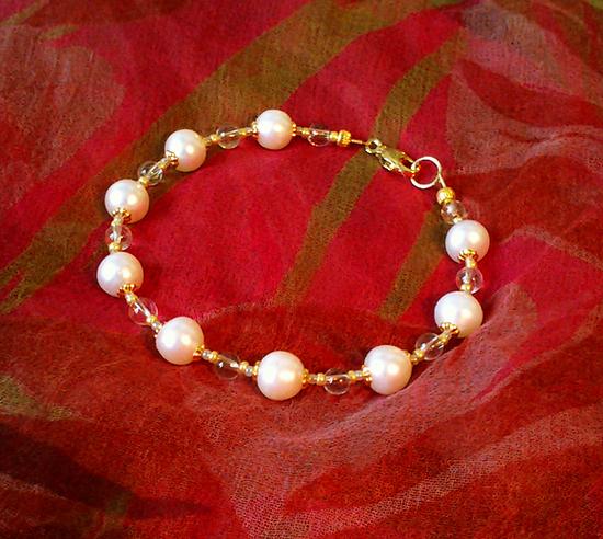 Bracelet Perles de Culture blanches et Cristal de Roche / Plaqué Or
