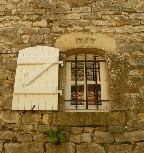 Bruniquel ( 1 )