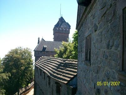Des CM1 et CM1-CM2 au château du Haut-Koenigsbourg et à la volerie des aigles - 2016