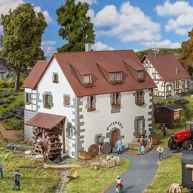 Le village blanc de Cocoperlette et ....ma roue
