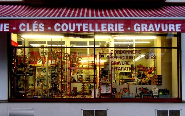 Belles vitrines de Fêtes à Châtillon sur Seine...