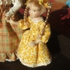 la petite fille en robe