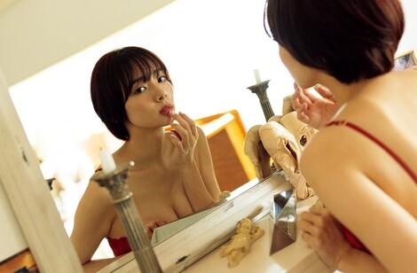 WEB Magazine : ( [FRIDAY Digital - Gravure] - |FRIDAY - 22/11/2019 - Sayaka Okada : 岡田紗佳 発売前から大注目のセカンド写真集からベストショットを先行公開!| )