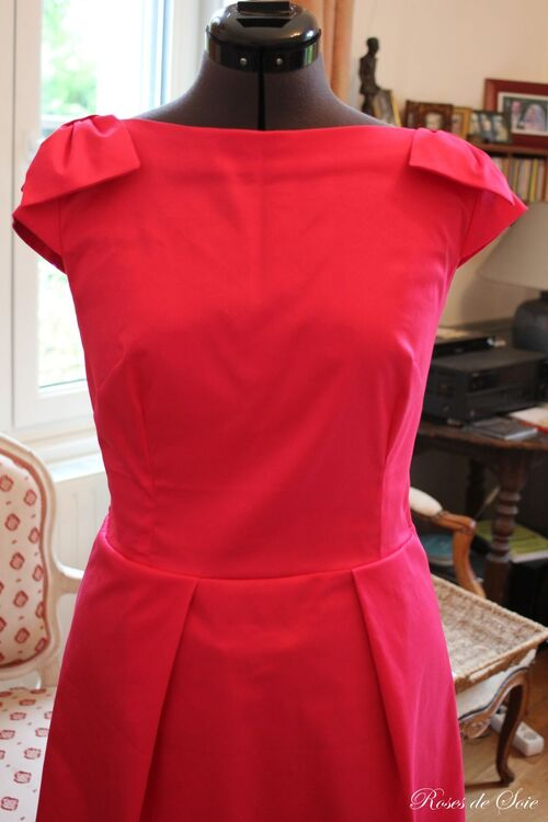 Robe Pantone 213