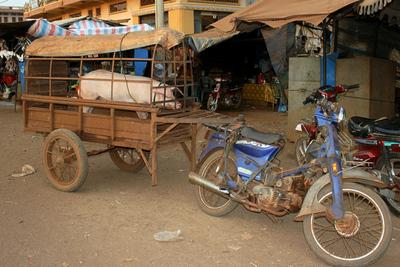 Blog de images-du-pays-des-ours :Images du Pays des Ours (et d'ailleurs ...), Avant ... - Marché de Banlung - Rattanakiri - Cambodge