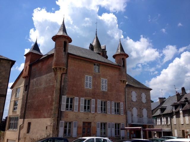 Le château des Moines-Larose ou maison Gaye-Bordas. - Meymac