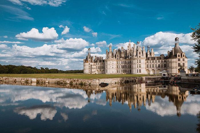 Parmi Les Plus Beaux Châteaux Au Monde...