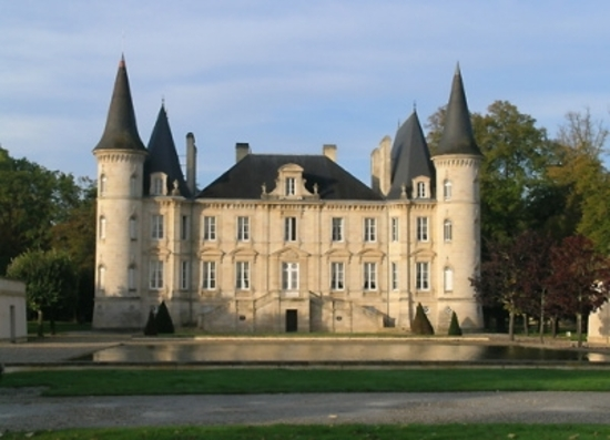 CHATEAUX_IN_HAUT_MEDOC.jpg
