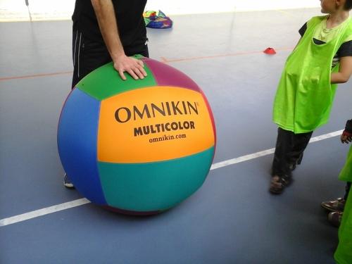 séance de kin-ball en CP-CE1