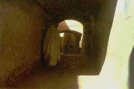 la visite de Ghardaïa - femme voilée