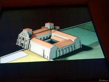 Salle à écrans tactiles : histoire interactive de la chrétienté