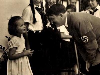 Heinrich Hoffmann, le photographe nazi entremetteur