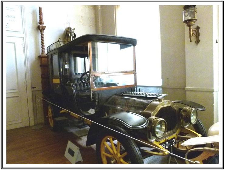 Au musée des voitures anciennes à Compiègne
