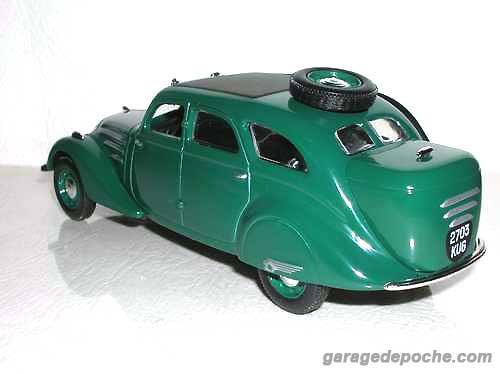Peugeot 402 gazogène 1939