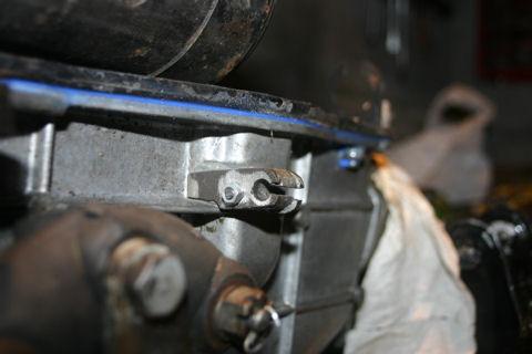 ...suite de la restauration des pièces mécaniques...