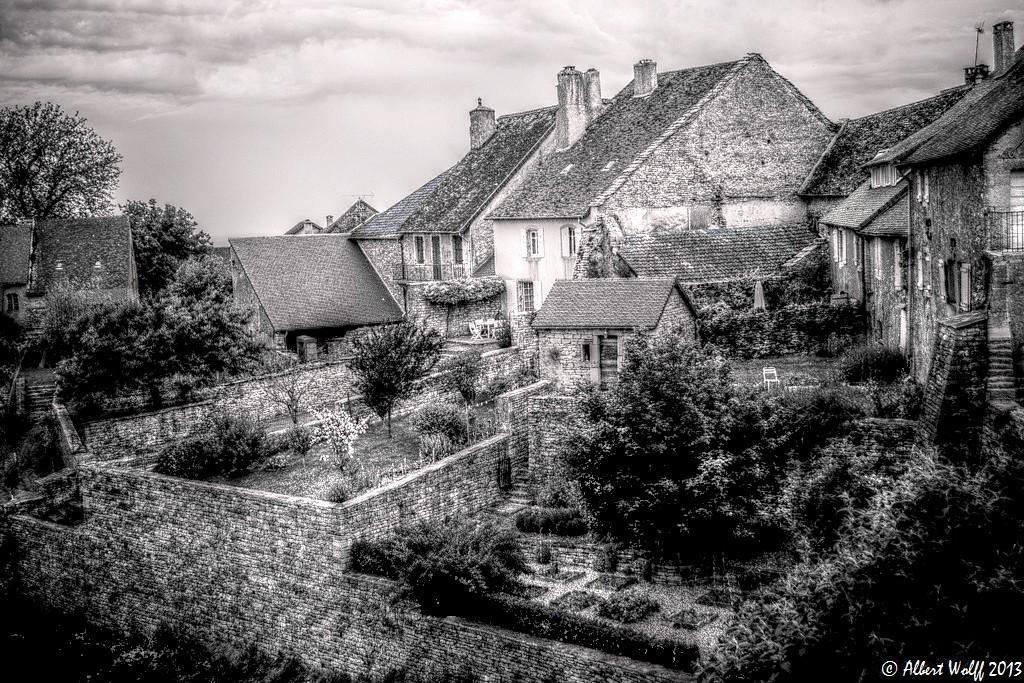 Là-haut, à Château-Chalon - 2 -