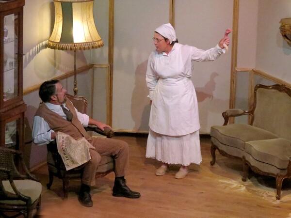 """Quelques images de """"L'affaire Tringlet-Patifon"""", le spectacle estival de la Compagnie des Gens  de 2015"""