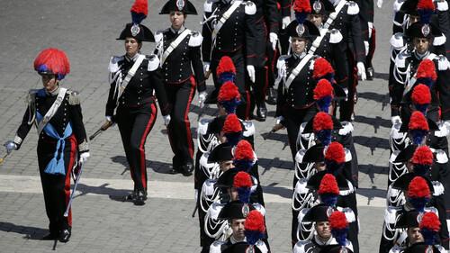 Gendarmes du monde - Les Carabiniers Italiens
