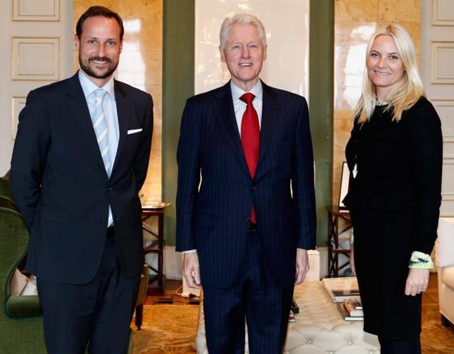 Haakon, Mette Marit et Bill