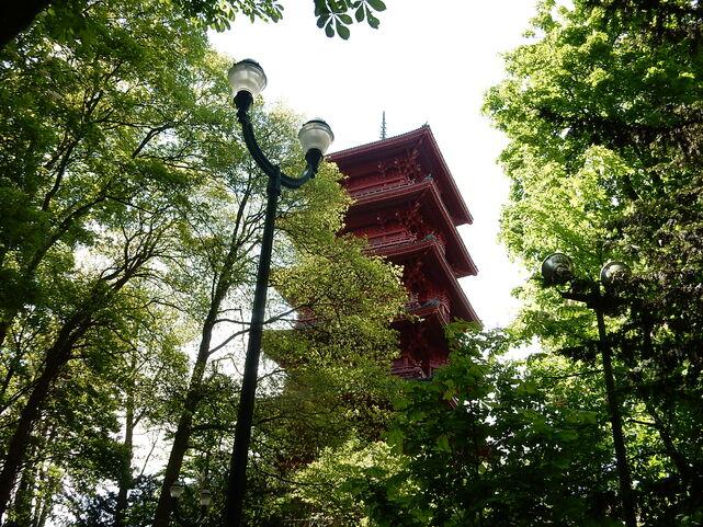 Tour japonaise et pavillon chinois Bruxelles