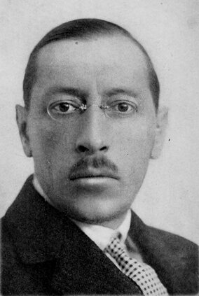 http://upload.wikimedia.org/wikipedia/commons/c/cc/Igor_Stravinsky_Essays.jpg