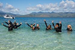 Les élèves de 6ème à l'îlot Hienga - Cliquer pour agrandir