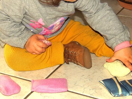 Petits coussins sensoriels Montessori