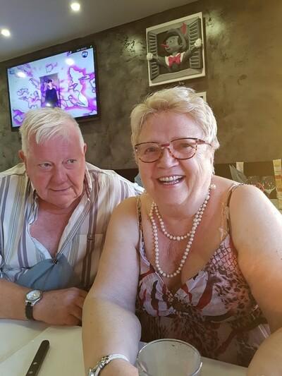 MARSEILLE - Mamiekéké et Cricri d'amour fête 52 ans de mariage .