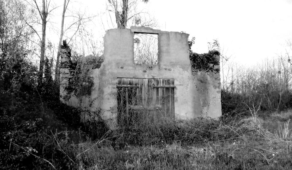 Des ruines , noir/blanc