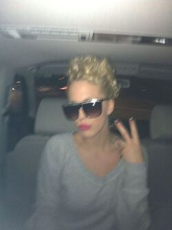 Kika - 02.12.2011 - Backstage